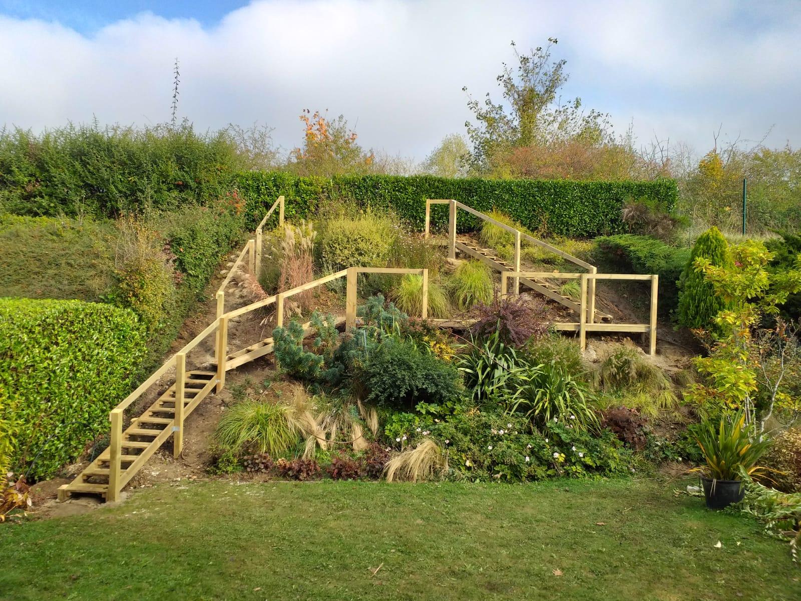Sur mesure, conception, création, escalier, ouvrage bois, Green Hand co,GHC, création espaces verts, entretien espaces verts, travaux de plantation, aménagement jardin, réaménagement jardin